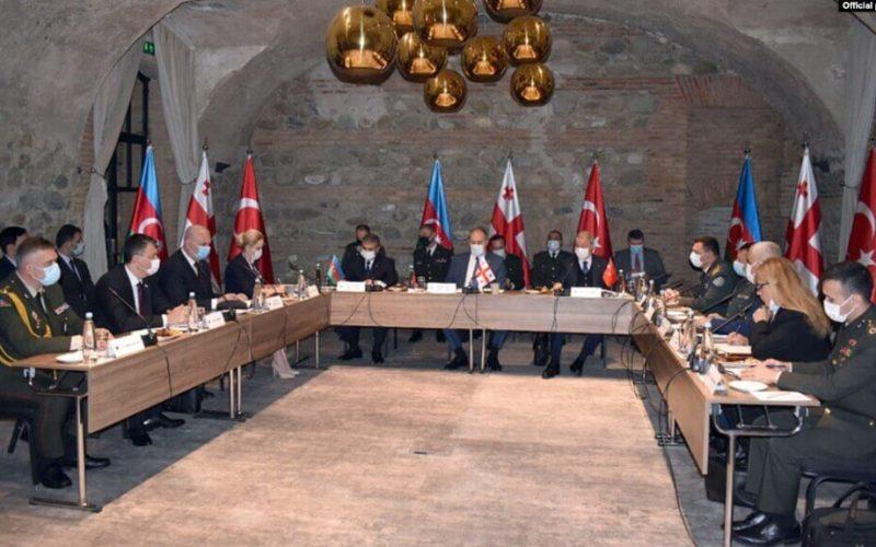 Վրաստանի, Թուրքիայի և Ադրբեջանի պաշտպանության նախարարները համաձայնագիր են ստորագրել